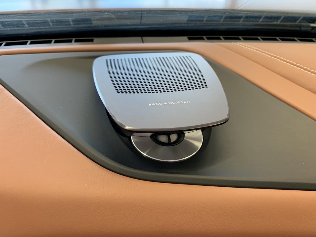 BMW 640d Xdrive, GRAN COUPE 640d xDRIVE 2015 INDIVIDUAL  HUIPPU VARUSTEILLA  Bang & Olufsen