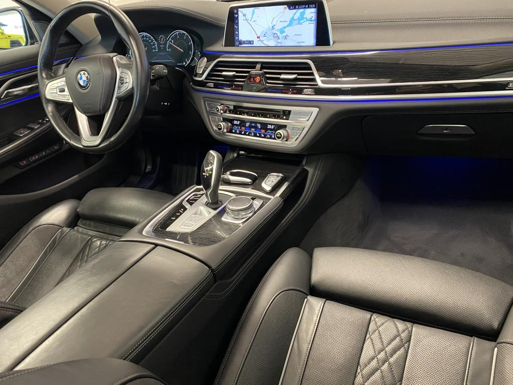 BMW 730d XDrive, HUIPPUVARUSTEET  Excl.leder Nappa  Auxiliary Heating   Laser Light Remote Control Parking   Head Up Display  YM YM