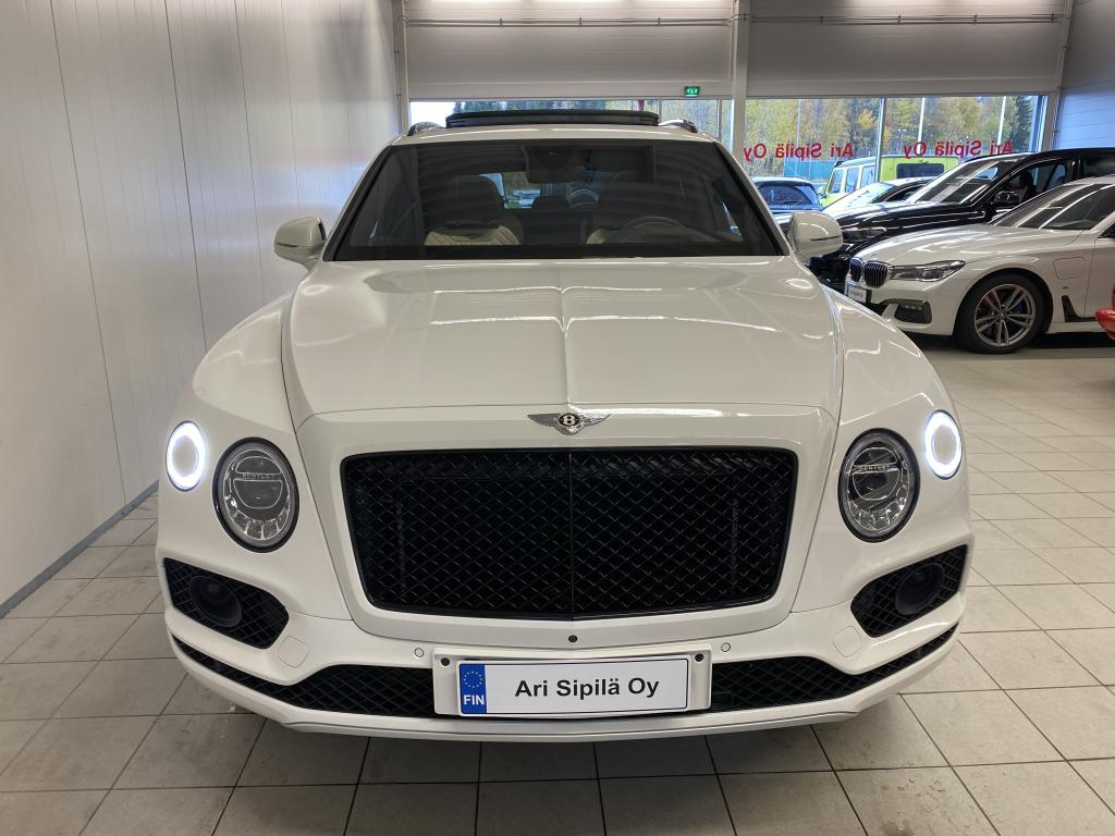 Bentley Bentayga, HUIPPUVARUSTEILLA NÄYTTÄVÄ BENTLEY