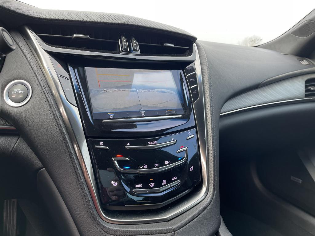 Cadillac CTS-V,  NYT LÄHTEE ALKUPERÄINEN  649HV TODELLA YKSILÖ REK 6/18 CTS-V  HUIPPUVARUSTEILLA Recaro Navi Bose