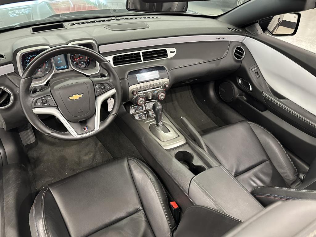 Chevrolet Camaro Convertible, AHDETTU +700HV UUTTAVASTAVA 45V JUHLAMALLI  AJETTU VAIN 28TKM HUIPPUVAR. HEAD UP NAHAT  YM.YM
