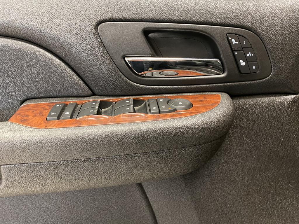 Chevrolet Silverado 2500 HD LTZ Crew Cab, HUIPPUSIISTI 4X4  WEBASTO NAHKA.SIS YM YM Avolavakuorma-auto (BA) 4ov 6599cm3 A
