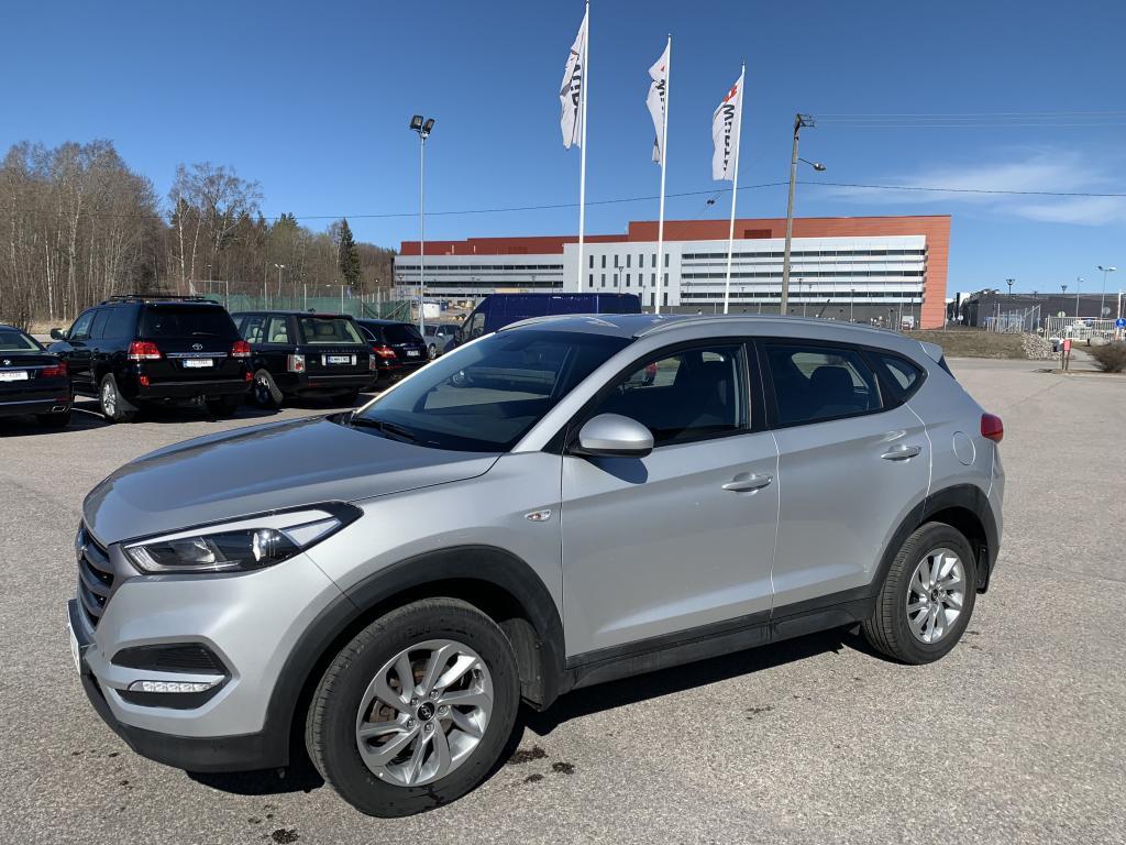 Hyundai Tucson, ILMASTOINTI RATINLÄMMITYS VETOKOUKKU YM YM