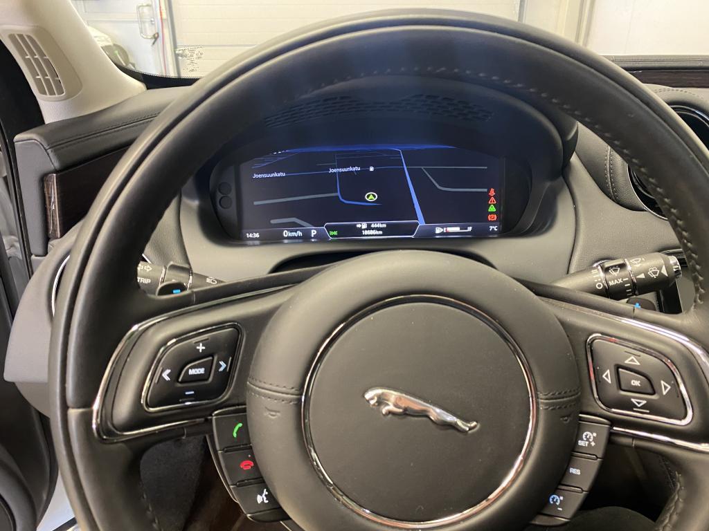 Jaguar XJ,  XJ 300hv DIESEL REK 9/2017 HUIPPUVARUSTEILLA PANORAMA AKTIIVI CRUISE IMU OVET LED VALOT  4XIST.TUULETUS/LAMMITYS YM YM