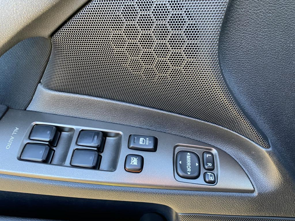 Lexus IS220d, 4D IS220D SEDAN 2.2 D-4D-ALE20L-AEFLYW/2