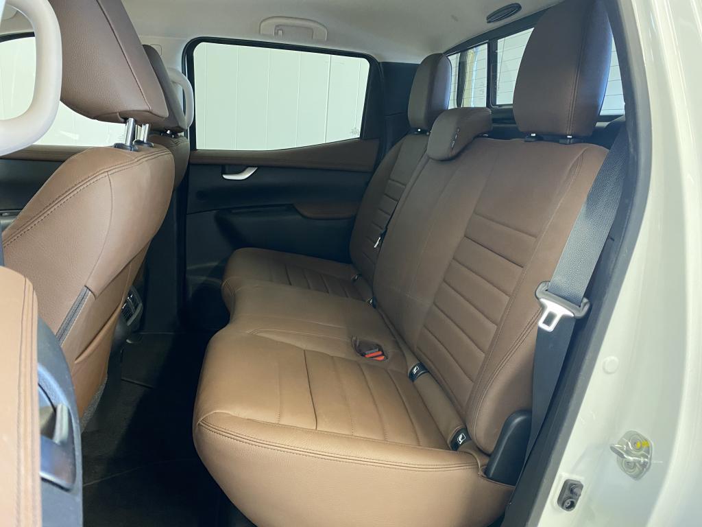 Mercedes-Benz X-Klasse, (UUSI)rek.KAKSIKÄYTTÖAUTO X-Klasse 4MATIC SIS ALV. V6 3.0 DIESEL REK.5HLÖ REK. 1/20 HUIPPUVARUSTEILLA