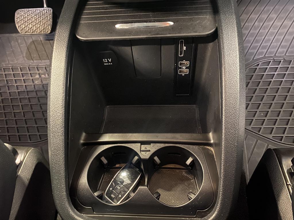 Mercedes-Benz V 250, KAKSIKÄYTTÖAUTO SIS ALV.  7HLÖ V250L 4-MATIC  HUIPPU VARUSTEILLA