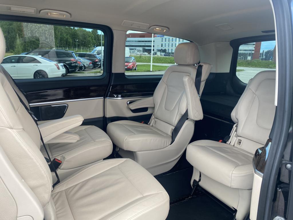 Mercedes-Benz V-KLASSE, HUIPPUVARUSTELTU V220 sis alv  HENKILÖAUTO 3200mm LONG  6 HLÖ NAHKASIS NAVI CRUISE 2XSÄHKÖLIUKUOVET   YM YM YM YM