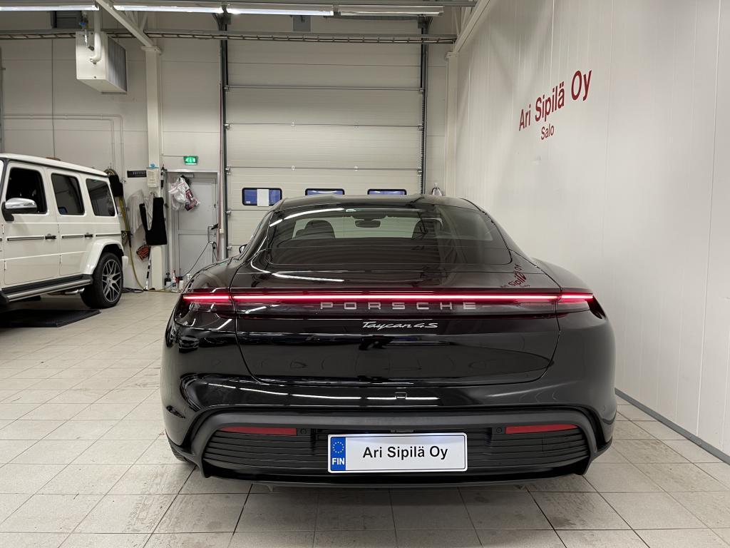 Porsche Taycan 4S, TÄSSÄ TYYLIKÄS  4S PORSCHE TÄYSSÄHKÖ HUIPPU VARUSTEILLA