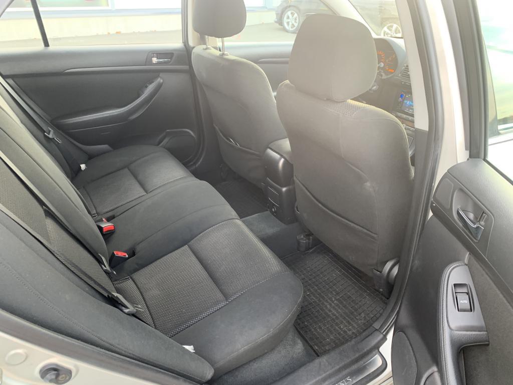 Toyota Avensis, SIISTIKUNTOINEN FARMARI ILMASTOINTI KOUKKU PUOLIMOOTTORI VAIHDETTU AJ NOIN 185000.TKM YM YM