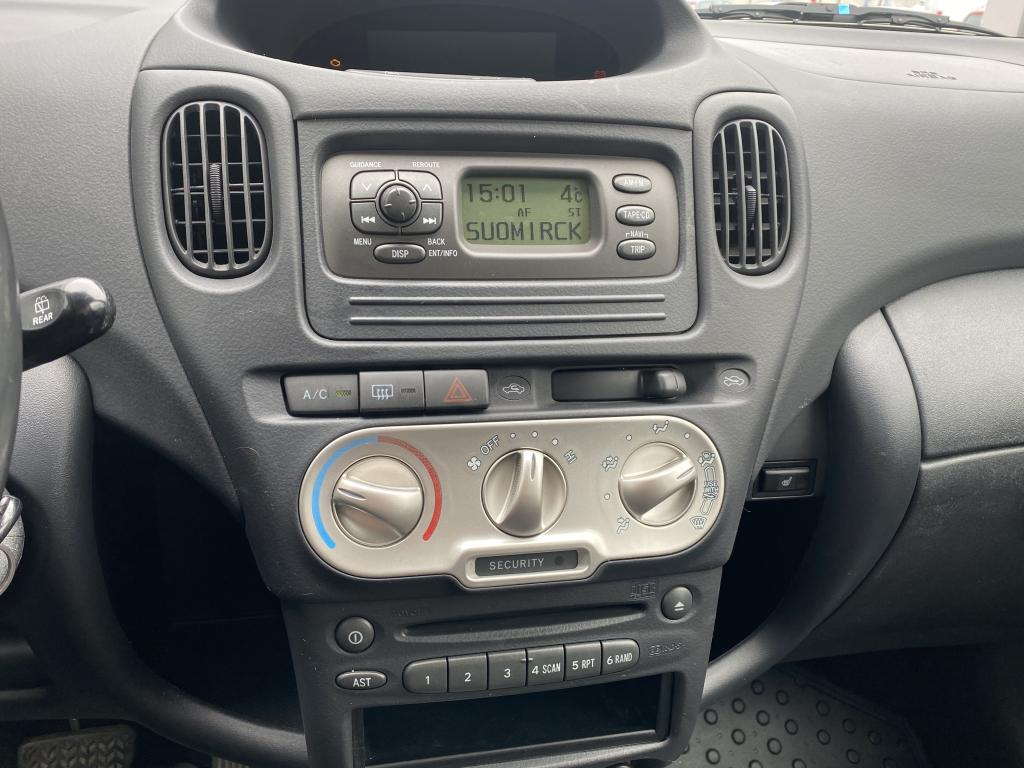 Toyota Yaris Verso, 5D  STW 1.3 AUTOMATIC YKSILÖ