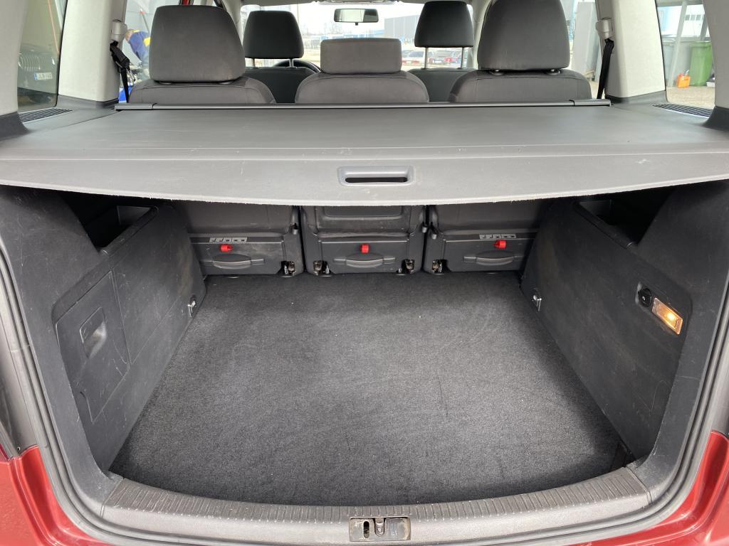 Volkswagen Touran, 5D  MPV 1.6-1T/268 AJETTU VAIN 145 tkm