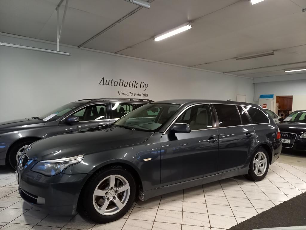 BMW 523i 5D 2.5 190 HV TOURING AUTOMATIC HYVÄ HUOLTOKIRJA SUOMIAUTO 4.1.21 tehty Autohuolto SEITOY Oy laaja VAIHTOAUTOTARKASTUS