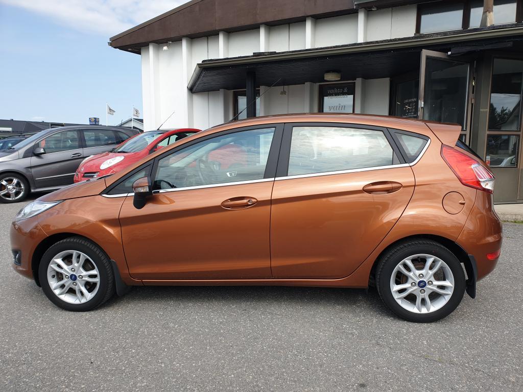 Ford Fiesta 1.0 TITANIUM  TEHOKAS 100 HV KESKIKULUTUS 4.6/100km co2 105g TÄYDELLINEN HUOLTOKIRJA RAHOITUS 0, 99%