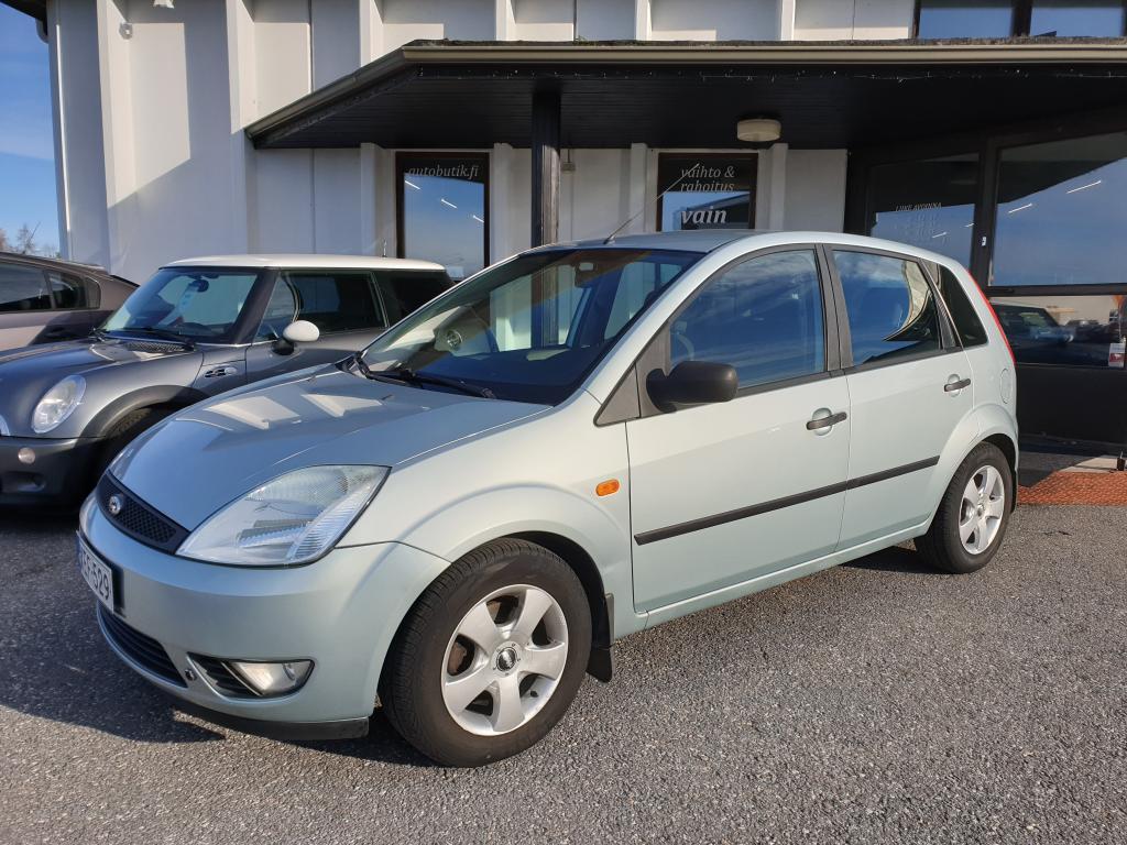 Ford Fiesta 1.4i AMBIENTE 5-OV 78 HV HARVINAISEN VÄHÄN AJETTU IKÄISEKSEEN.