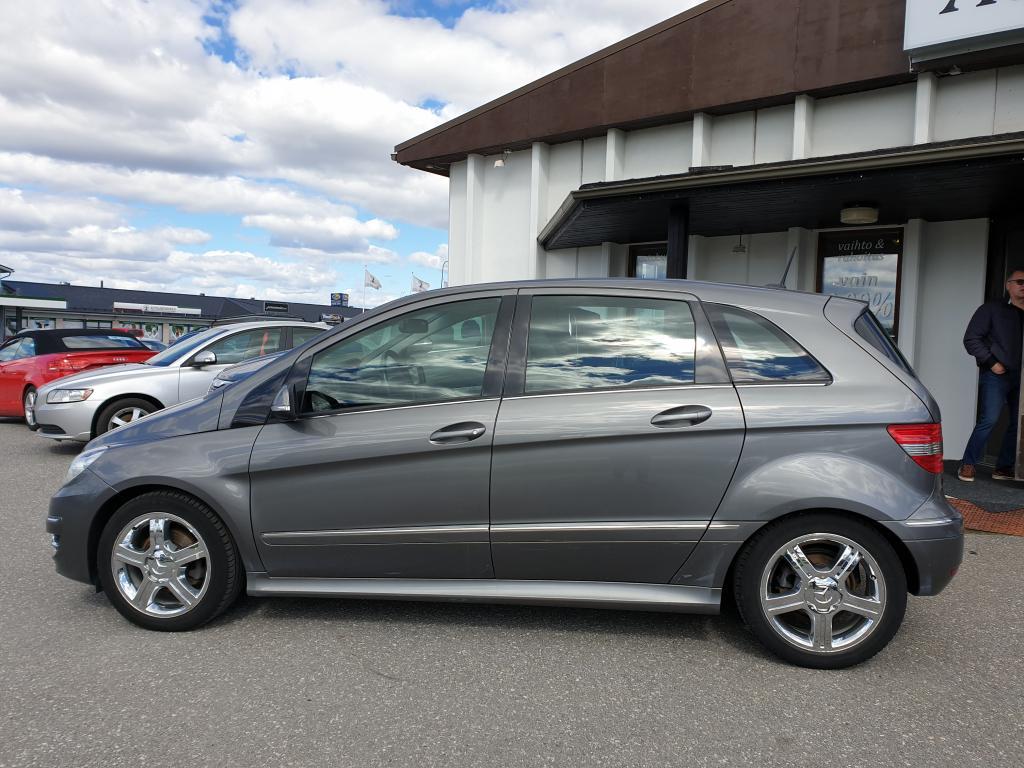 Mercedes-Benz B 200 CDI AUTOMAATTI  TEHOKAS 140 HV 5-ov TILA-AUTO HUOLLOT HYVIN SUORITETTU! RAHOITUS VAIN 0, 99%
