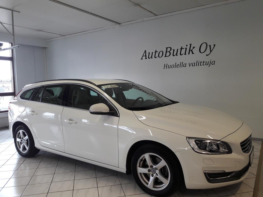 Volvo V60 D4 MOM BUSINESS AUTOM 181hv RATINLÄMMITYS WEBASTO AJASTIMELLA AUTOBUTIK EXTRA 20 000km/12kk 0 EUROA RAHOITUS  0, 99