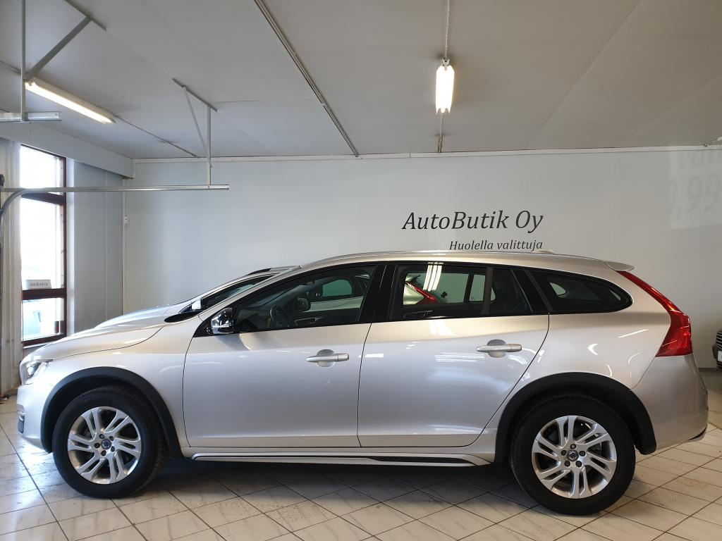 Volvo V60 Cross Country D4 190 HV BUSINESS ADVANCED RATINLÄMMITIN WEBASTO AJASTIMELLA VOLVO ON CALL SENSUS NAVIGOINTI RAHOITUS VAIN 0, 99%