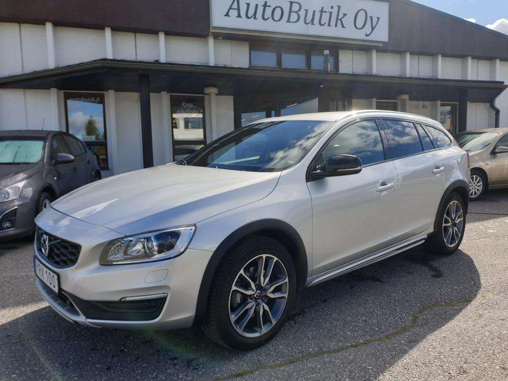Volvo V60 Cross Country 2.4 190 HV AWD SUMMUM CLASSIC PRO AUTOMATIC KAIKILLA VARUSTEILLA VOC BLIS NAVIGOINTI KEYLESS RAHOITUS VAIN 1.99%