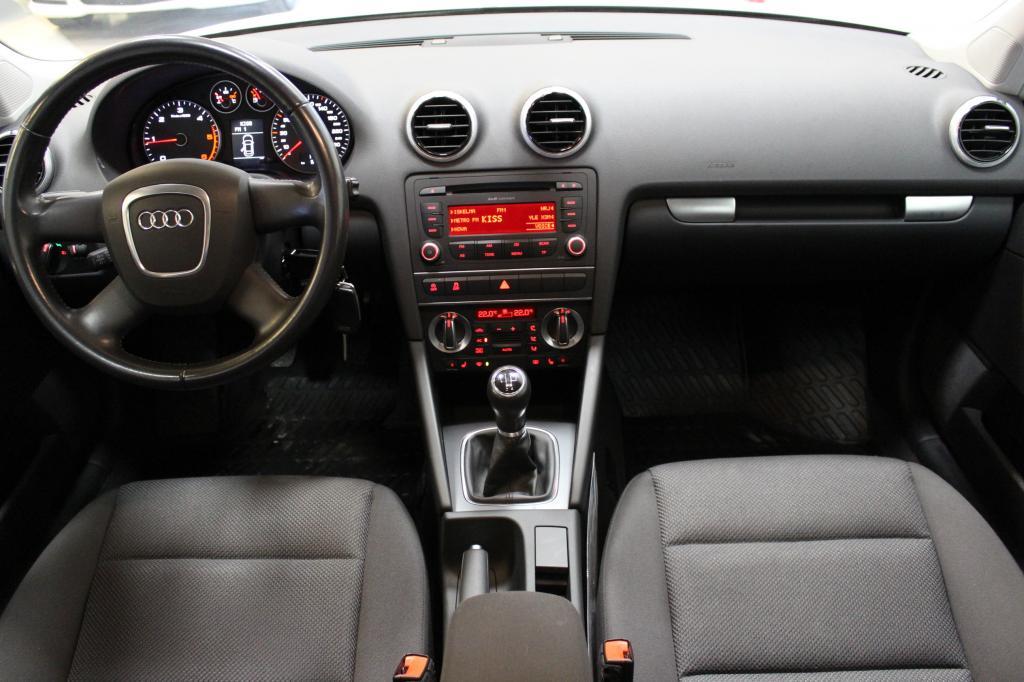 Audi A3, Sportback Attraction Business 1, 6 TDI 77 kW #1-omisteinen Suomi-auto #Bi-xenonit #Vakionopeudensäädin