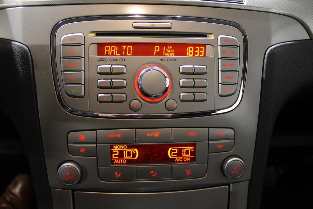 Ford S-Max, 2, 0 TDCi 140 hv PowerShift #1-Omisteinen #7-Paikkainen #Siistikuntoinen #Webasto