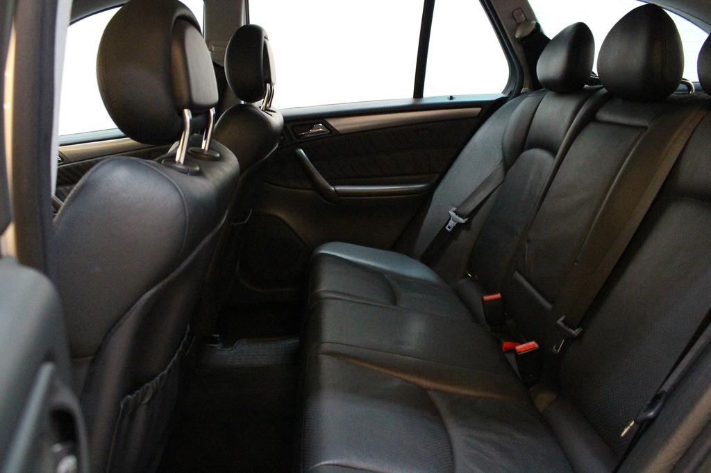Mercedes-Benz C, 320 4MATIC Avantgarde #Nahat #Navi #Xenonit **Juuri katsastettu**