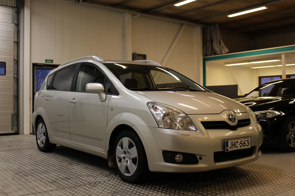 Toyota COROLLA VERSO, 2.2 136hv D4D  #7-paikkainen