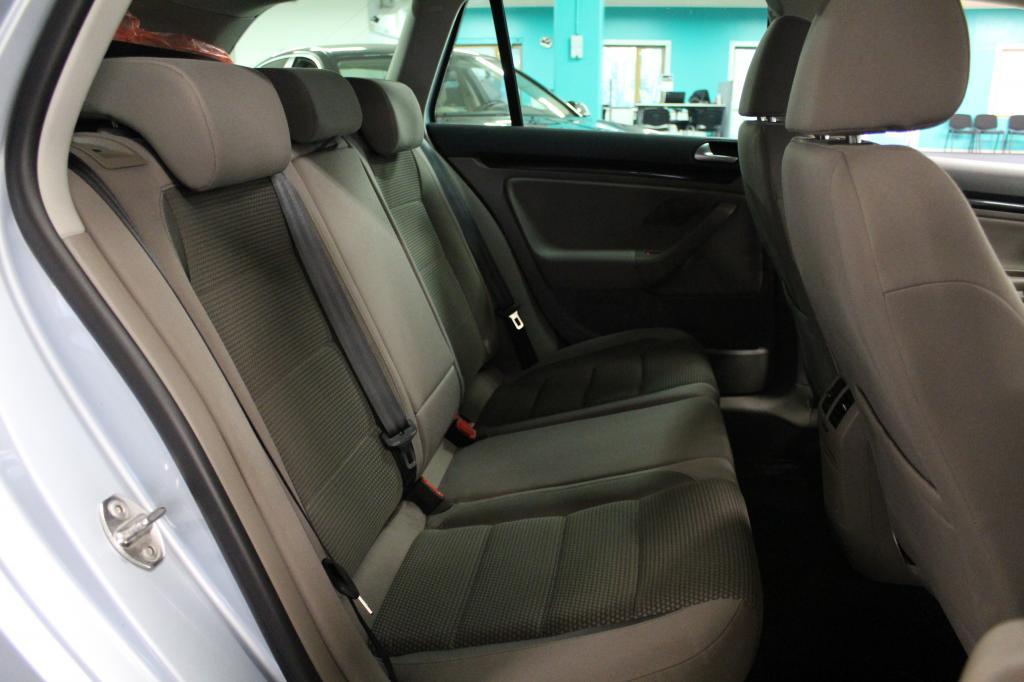 Volkswagen Golf, Comfortline 2, 0 TDI #Huippusiisti #Navi #Xenonit #2-omisteinen