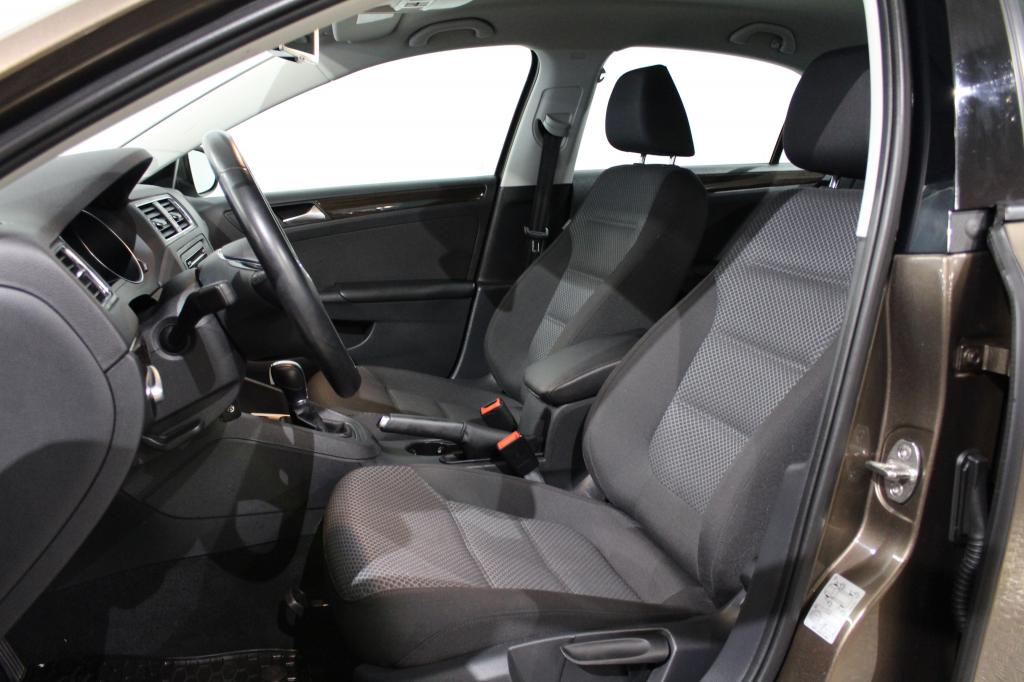 Volkswagen Jetta, Comfort 2, 0 TDI BlueMotion Automaatti #Webasto #Huippusiisti #Suomi-auto
