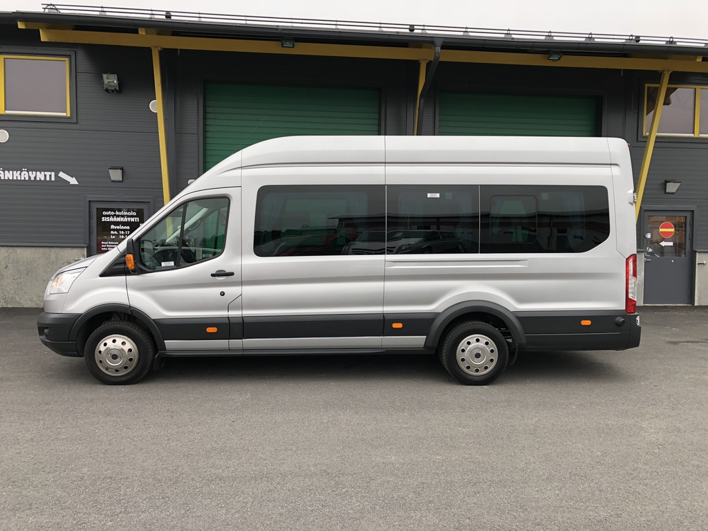 Ford Transit 2.2TDCI1+11HLÖ:NPITKÄLINJA-AUTO