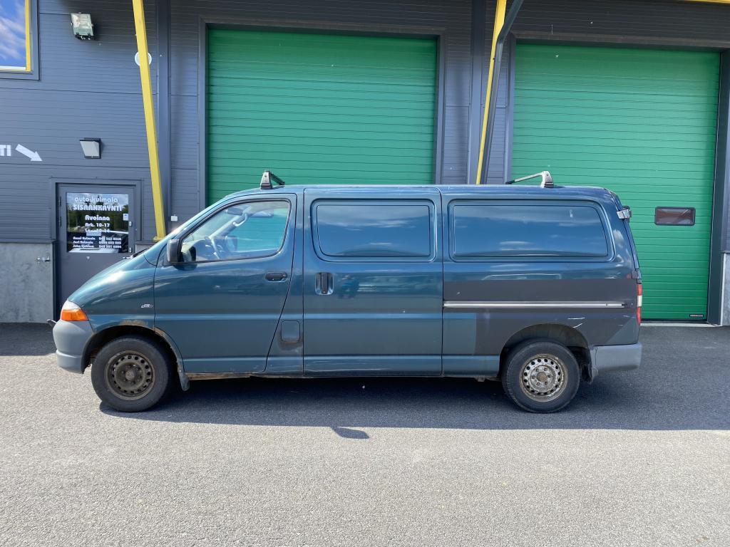 Toyota Hiace 2.5 TD PITKÄPAKETTIAUTO