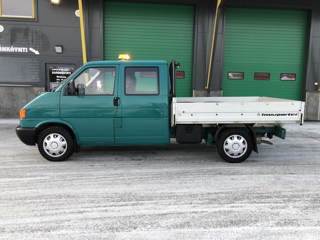 Volkswagen Transporter 2.5 TDI 5 HLÖ:N AVOLAVA PAKETTIAUTO