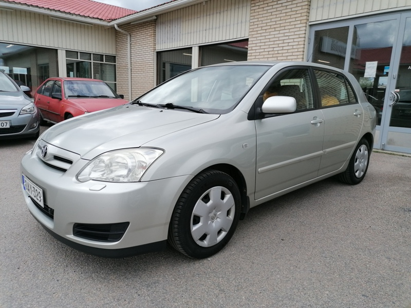 Toyota Corolla, 1.6 VVT-i Linea Terra 5D