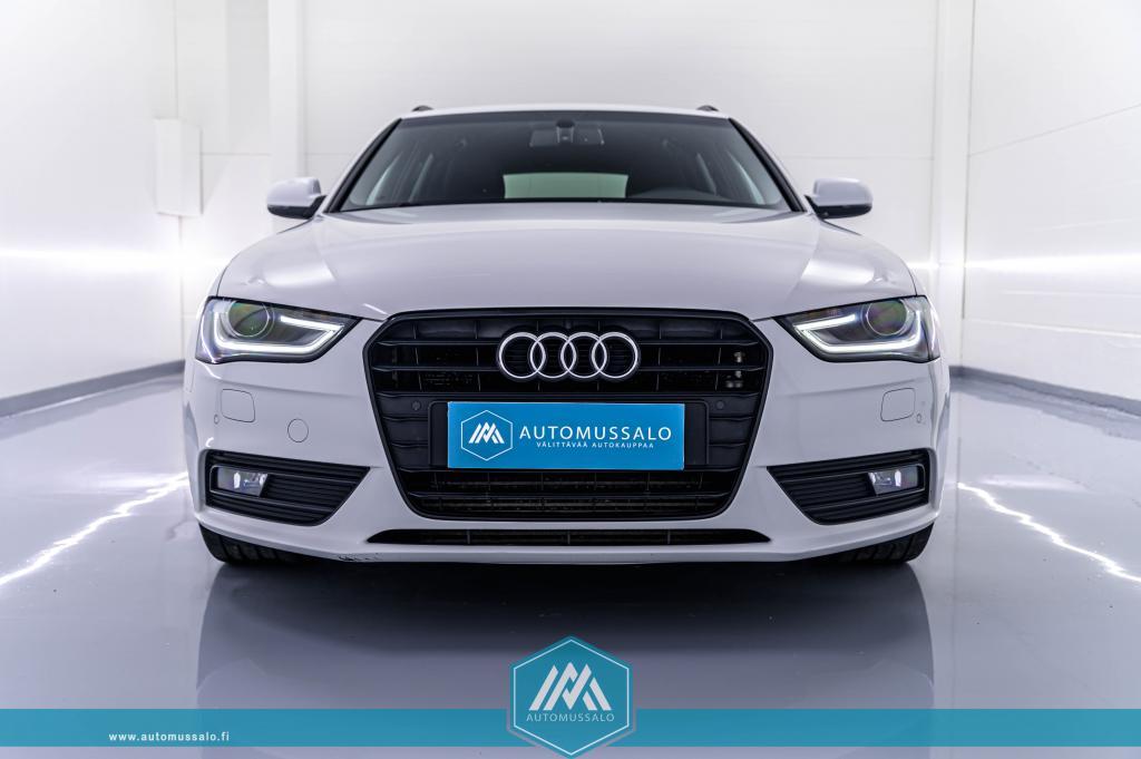 Audi A4 Facelift Avant Black Edition 2, 0 TDI multironic