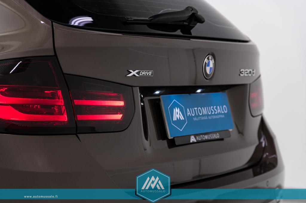 BMW 320 Touring Modern Line xDrive