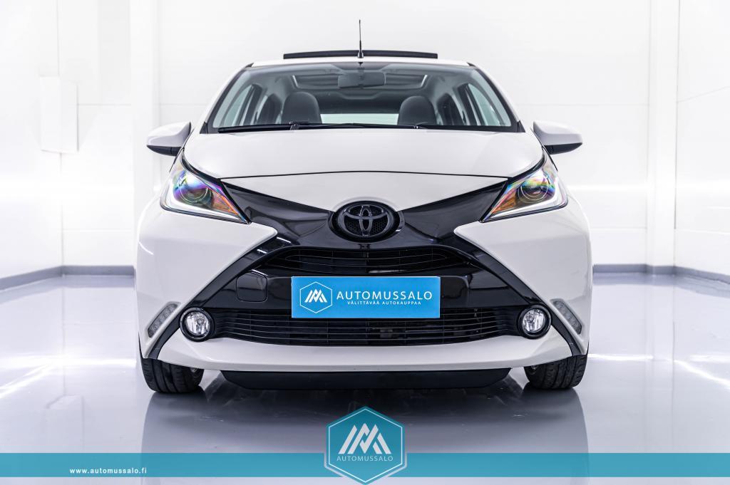 Toyota AYGO 1, 0 VVT-i x-wave 5ov Rättikatto