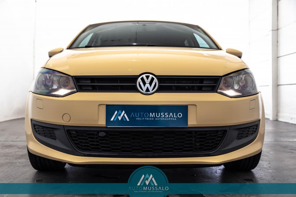 Volkswagen Polo Trendline 1, 4 63 kW (85 hv) 4-ovinen Aurinkoinen yksilö :)
