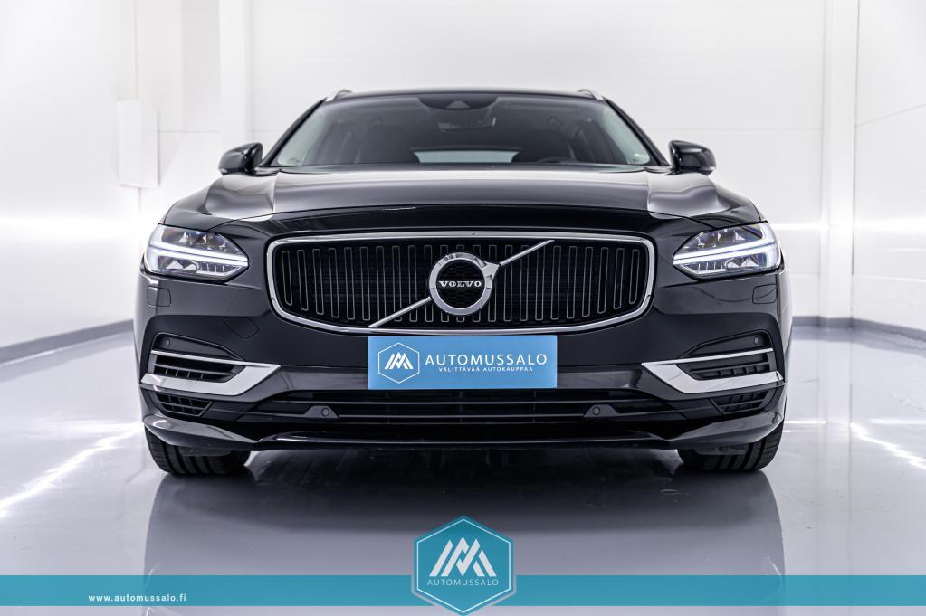 Volvo V90 T8 Plug-in Hybrid Momentum