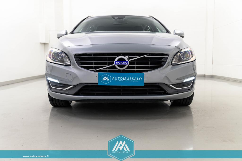 Volvo V60 D6 Plug-in Hybrid Summum AWD Facelift