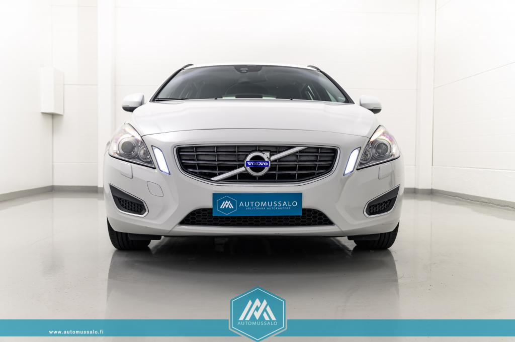 Volvo V60 D2 Momentum Business aut
