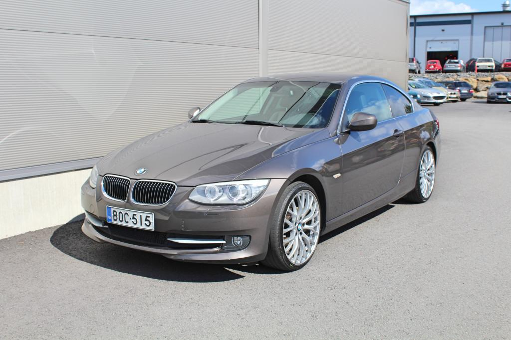 BMW 320, Cd A Coupe *HIENO SUOMIAUTO*