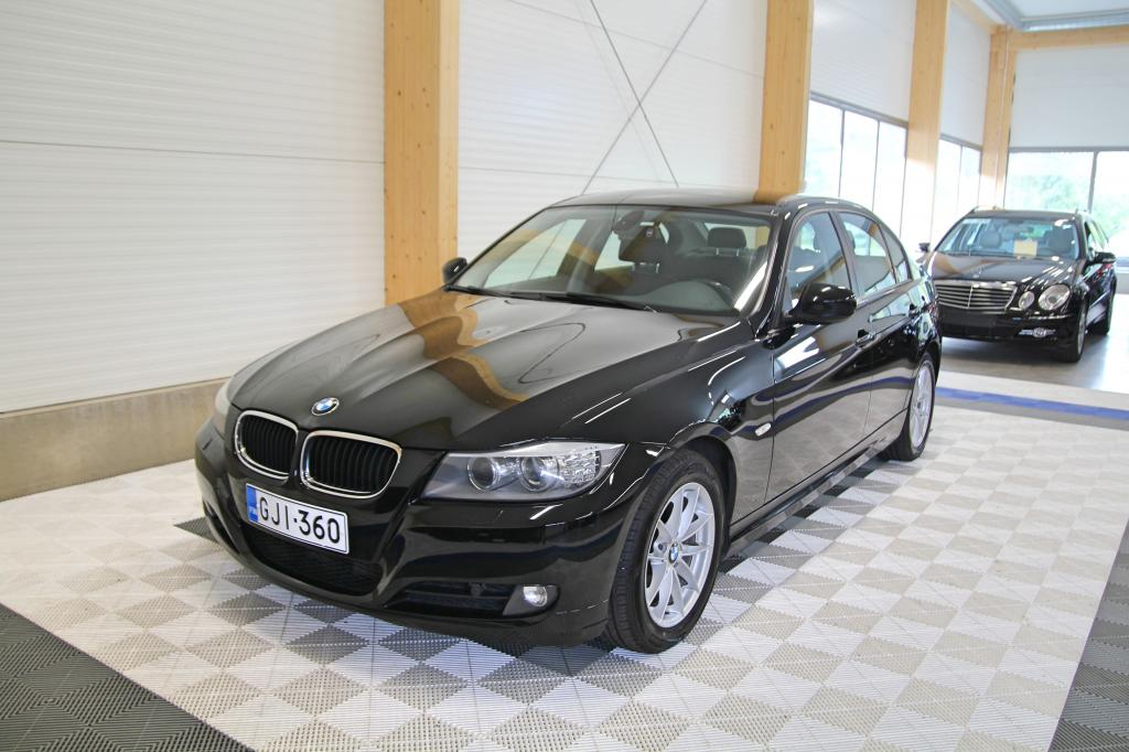 BMW 318, d A Business Comfort *OSAMAKSULLA JOPA ILMAN KÄSIRAHAA*