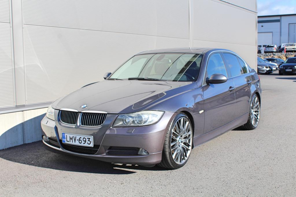 BMW 325, D *PROF.NAVI/KATTOLUUKKU/XENON*