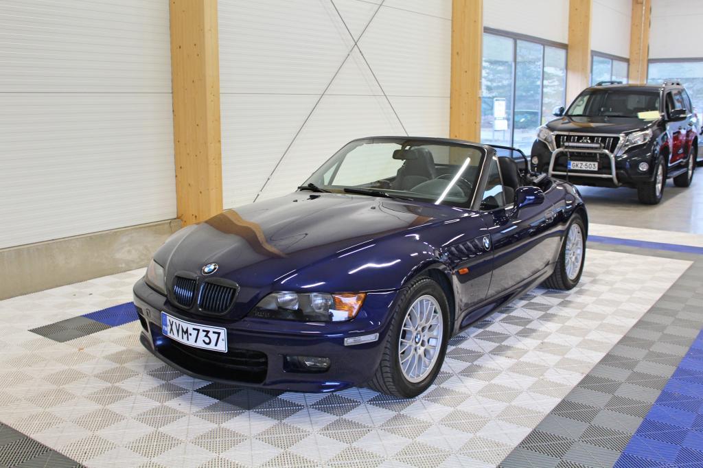 BMW Z3, 1.8i Man *OSAMAKSULLA JOPA ILMAN KÄSIRAHAA*