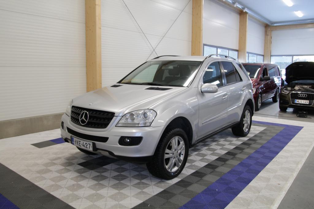 Mercedes-Benz ML 280 CDI 4MATIC, 280 CDI 4-MATIC *WEBASTO/KOUKKU/OSAMAKSULLA ILMAN KÄSIRAHAA*