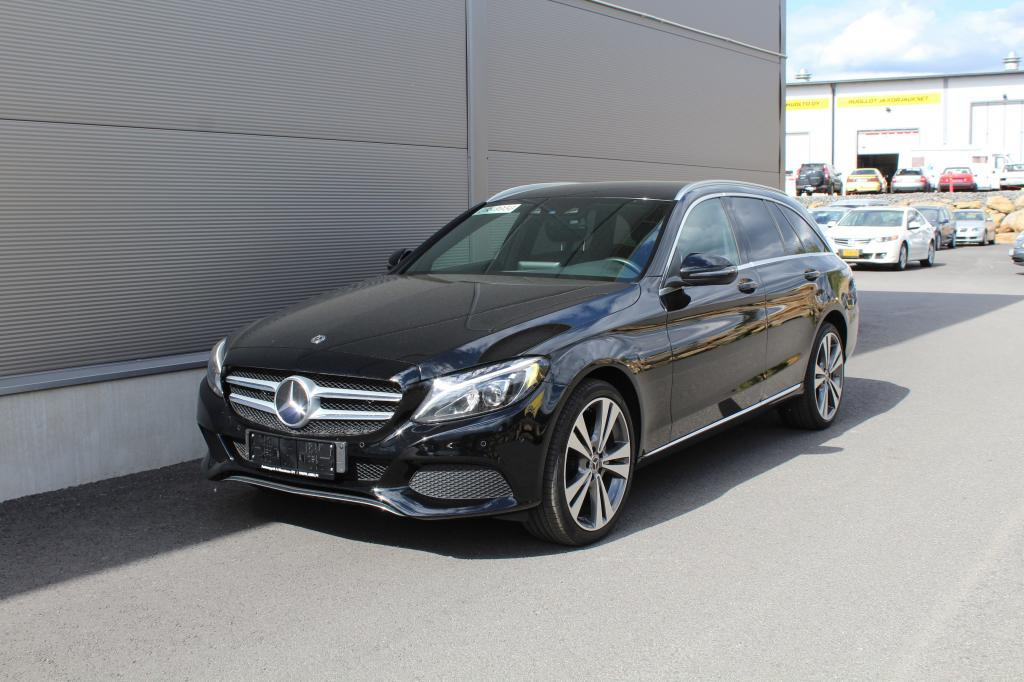 Mercedes-Benz C, 220d T 4Matic Avantgarde *WEBASTO/KOUKKU/DISTRONIC/LED*