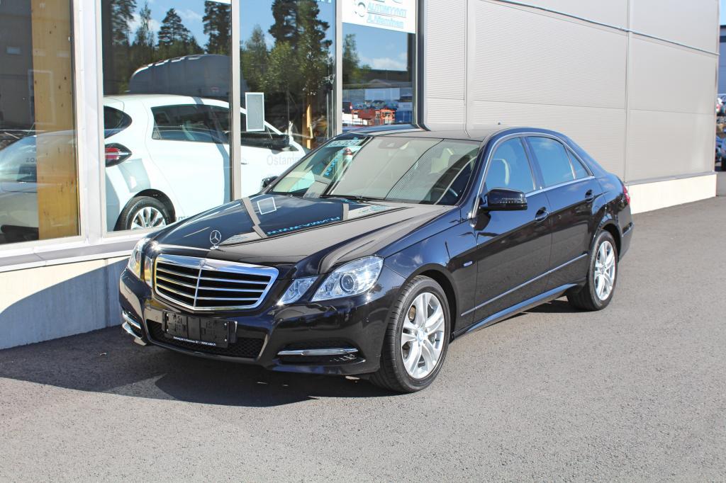 Mercedes-Benz E, 200 CGI BE A Avantgarde *WEBASTO/XENON/COMAND/NAHAT*