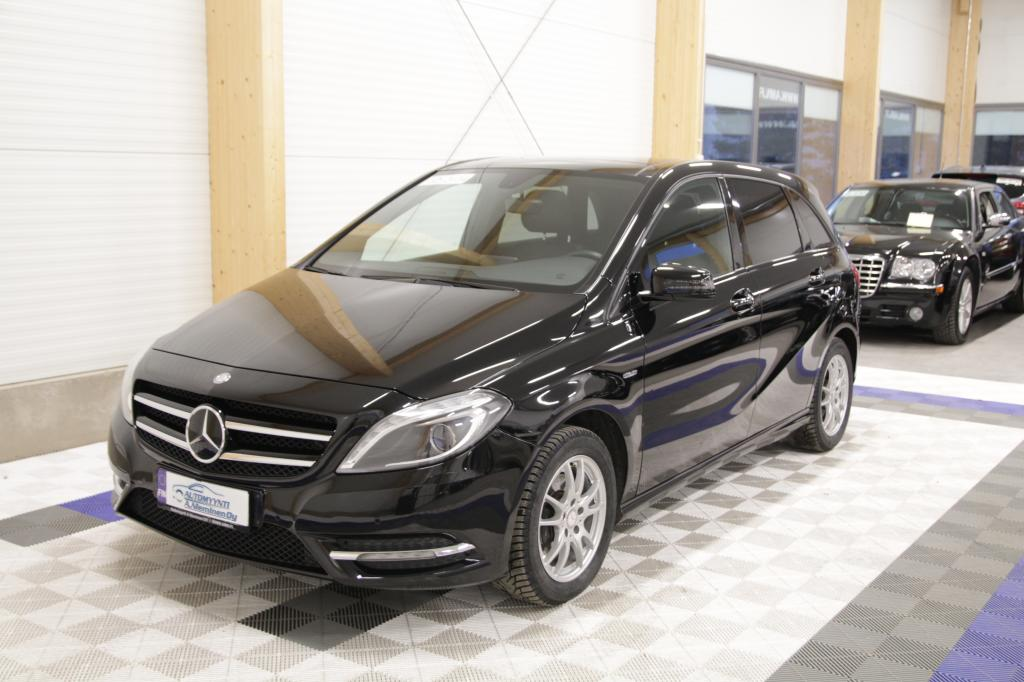 Mercedes-Benz B, 200 BE Edition 1 Special Model *NAHAT/XENON/PANORAMAKATTO/P-KAMERA*