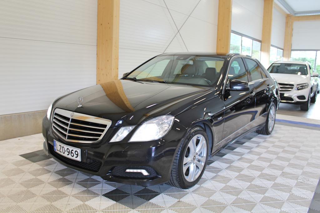 Mercedes-Benz E, 220 CDI BE Aut Avantgarde *WEBASTO/ILS/NAVI/YM*