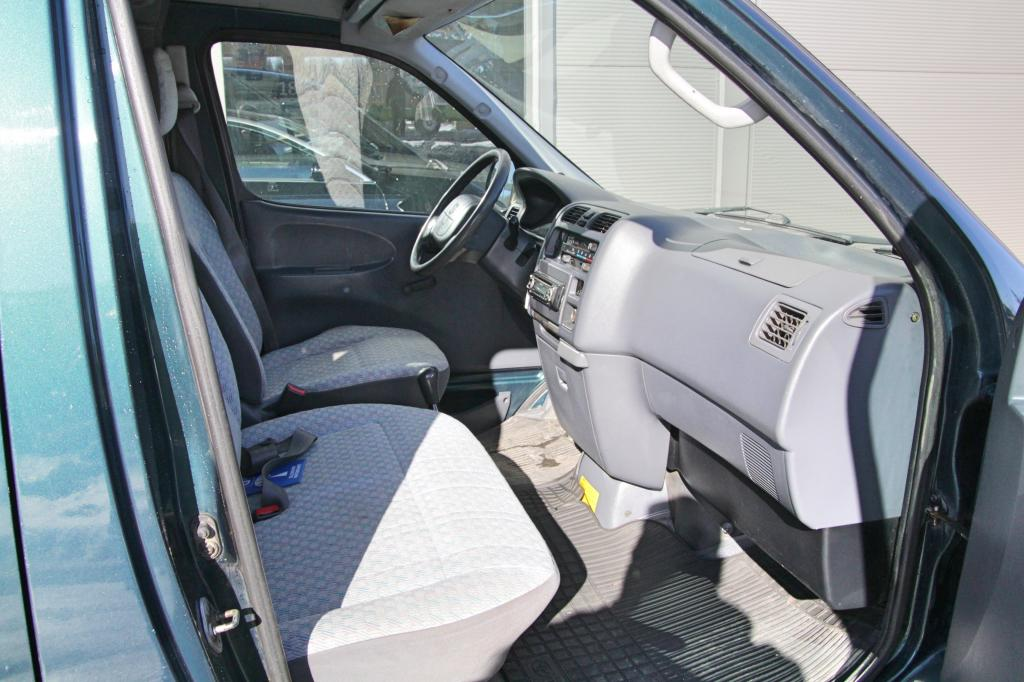Toyota Hiace, 2.5 D4D *KATSASTETTU JA HUOLLETTU*